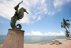 Malecón Bronze Sculpture