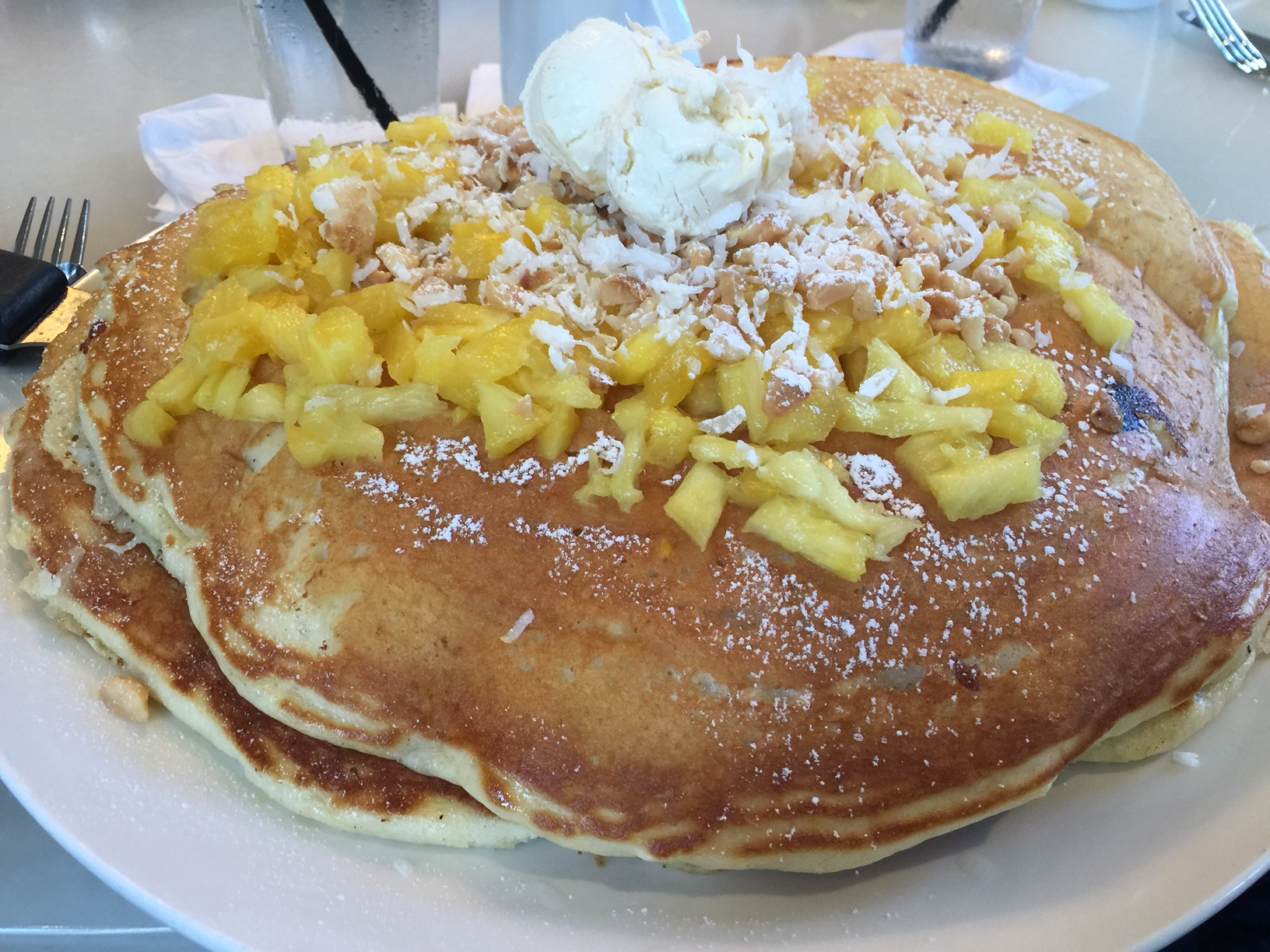 Mac 14/7 (Oahu): Here's an enormous pancake that was featured on the Travel Channel's Man v. Food show. It's five pounds, and three of us barely were able to finish half.